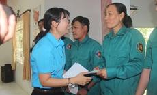 Thăm người lao động tại các đơn vị có môi trường làm việc khó khăn
