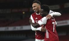 """""""Hung thần"""" Aubameyang bùng nổ, Arsenal thắng giòn giã Newcastle"""
