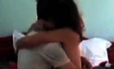 """Lộ 79 đoạn clip """"nóng"""" quay lén cảnh các cặp đôi đang quan hệ trong nhà nghỉ"""