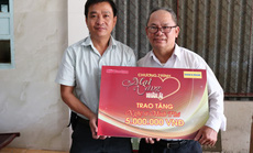 """""""Mai Vàng nhân ái"""" thăm nghệ nhân Ngô Minh Phú và NS Phương Anh"""