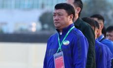 Sau trận hòa không bàn thắng, HLV Trương Việt Hoàng phàn nàn chất lượng sân ở Thanh Hóa