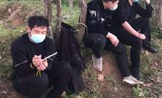 """Nhóm người Trung Quốc bỏ chạy tán loạn sau cuộc gọi """"khẩn"""" của người dân"""