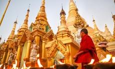 Ngôi chùa nạm 4.500 viên kim cương trên mái