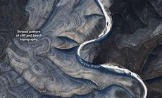 Trái Đất xếp nếp kỳ lạ ở Bắc Cực, các nhà khoa học bối rối