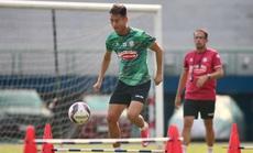 """CLB TP HCM, Hà Nội FC thử sức với """"người nhà"""""""
