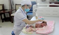 Chào đón em bé thứ 90.000, bệnh viện Thiện Hạnh miễn viện phí cho sản phụ