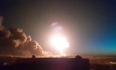 Syria: Nhiều nhà máy lọc dầu bị dội tên lửa, hàng chục người thương vong