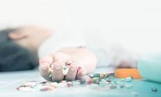 Buồn chuyện gia đình, người phụ nữ trẻ uống 200 viên thuốc