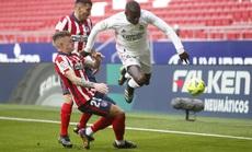 """Benzema cứu Real Madrid, Atletico """"nợ"""" chồng chất trận derby thủ đô"""
