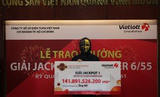 Người trúng vé số Vietlott 141,8 tỉ đồng là nhân viên văn phòng ở TP HCM