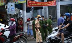 Một người bị đâm, nằm bất động ở khu vực chợ Nhị Tì - Tiền Giang