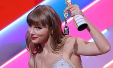Taylor Swift lập kỷ lục mới đáng ngưỡng mộ