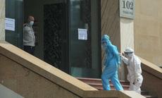 CLIP: Phong toả tòa nhà chung cư Hồ Gươm có ca dương tính SARS-CoV-2
