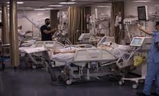 """Các bệnh viện ở dải Gaza lâm cảnh """"một cổ hai tròng"""""""