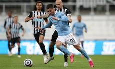 Rượt đuổi 7 bàn tại St.James's Park, sao trẻ Man City lập hat-trick mừng tân vương