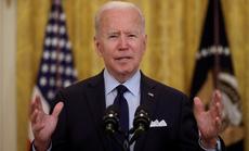 """Tổng thống Biden """"trảm"""" hàng loạt sắc lệnh của ông Trump"""