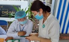 Mua thuốc trị bệnh đường hô hấp tại cửa hàng phải khai báo y tế để phòng Covid-19