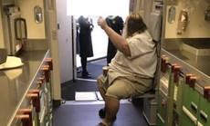 Các hãng hàng không Mỹ sẽ cân hành khách béo phì và tăng giá vé