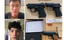 """2 đối tượng dương tính với ma túy, """"lận lưng"""" 3 khẩu súng và 18 viên đạn"""