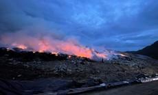Khói lửa ngùn ngụt tại bãi rác lớn nhất TP Đà Nẵng