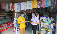 Người lao động nhóm bán hàng thiết yếu mong sớm được tiêm vắc-xin Covid-19