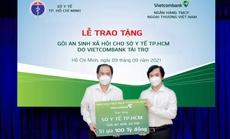 Vietcombank tặng gói an sinh xã hội 100 tỉ đồng cho Sở Y tế TP HCM