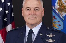 Thiếu tướng Mỹ bị sa thải vì chè chén