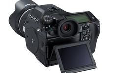 Pentax 645Z, cảm biến medium 51 'chấm', ISO 204.800