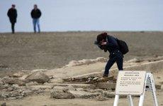 Mỹ: Thị trấn ma 'trồi lên' từ lòng sông ở California