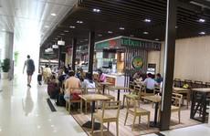 Giật mình giá hàng ăn 'trên trời' ở sân bay Tân Sơn Nhất