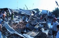 Cháy rụi chợ tạm và 40 phòng trọ