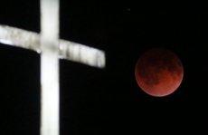 """Ngắm cảnh """"trăng máu"""" kỳ thú khắp thế giới"""