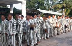 Phạm nhân được hút thuốc lá