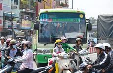 Lối ra nào cho xe buýt?