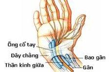 Tê hai bàn tay!