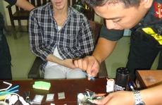 Cảnh sát Cơ động bắt tại trận con buôn ma túy