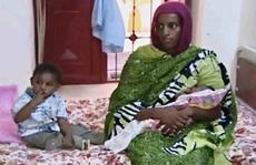 Cô gái lãnh án tử vì bỏ đạo Hồi thoát chết kỳ diệu