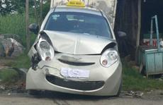 Xe buýt tông taxi, người đi xe gắn máy chết oan