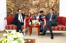 Chuyến thăm bất ngờ của một Tổng lãnh sự Pháp