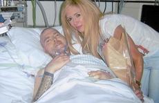 Cưới vợ trong bệnh viện 4 giờ trước khi chết