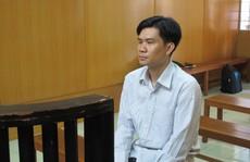 """Nhân viên ngân hàng """"thụt két"""" gần 4 tỉ đồng"""