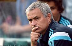 HLV Mourinho chực chờ 'cuỗm' Varane từ Real Madrid