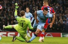 Lập hat-trick, Aguero đưa Man City trở về từ 'cõi chết'