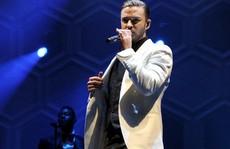 Justin Timberlake liên tục xin lỗi người hâm mộ