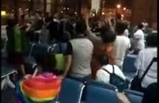 Bị trễ chuyến, du khách Trung Quốc biểu tình đòi bồi thường