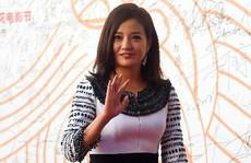Triệu Vy, Thang Duy thua nữ diễn viên 75 tuổi