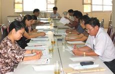 Giáo viên THCS tham gia chấm thi lớp 5