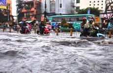 Dân TP HCM đánh vật với kẹt xe, ngập nước!