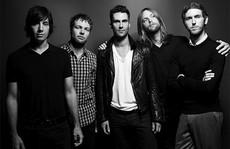 Ca từ của Maroon 5 bị lên án