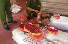 Tích trữ gần nửa tấn pháo Trung Quốc trong nhà chuẩn bị bán Tết
